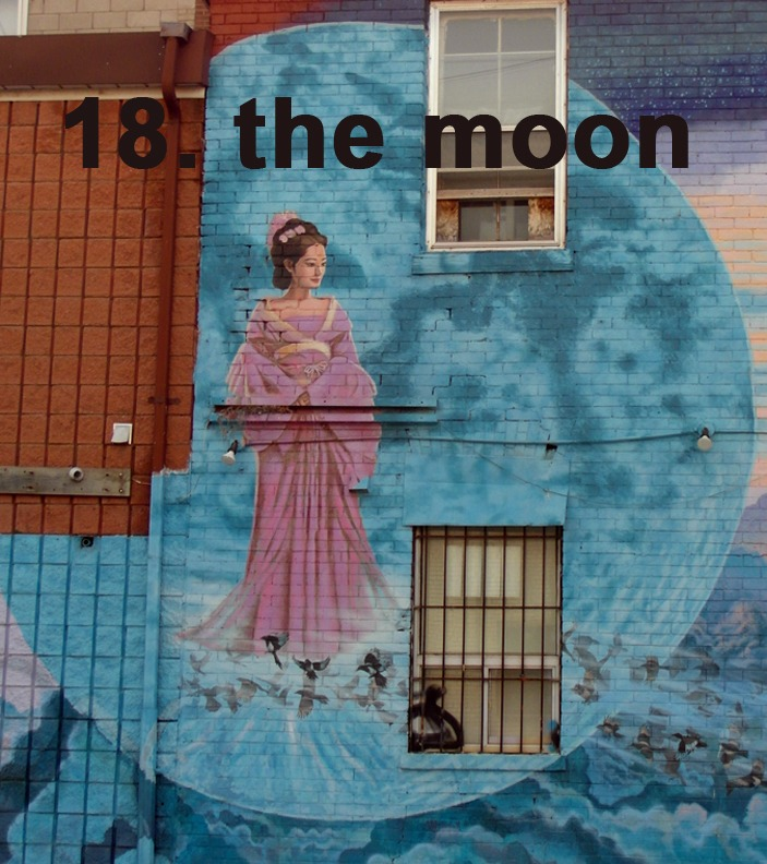 #18 The Moon - Toronto Graffiti Tarot