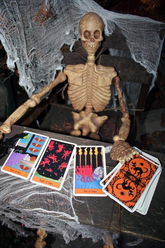 tarot reading skeleton